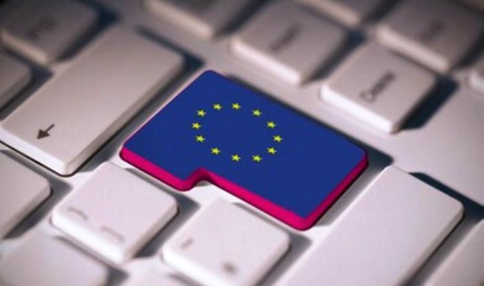 Ιστορική απόφαση της ΕΕ για τη συλλογή δεδομένων από smartphones και Internet